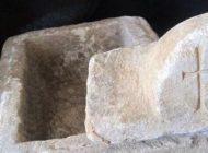Hz. İsa'nın çarmıha gerildiği haçı içinde muhafaza ettiği tahmin edilen taş sandık bulundu.